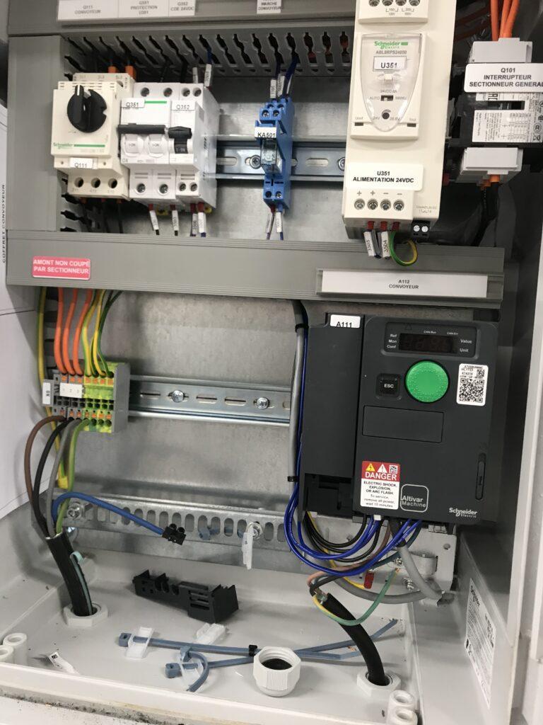 Fabrication coffret électrique - BIOGROUPE