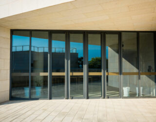 building-glass-entrance@800px