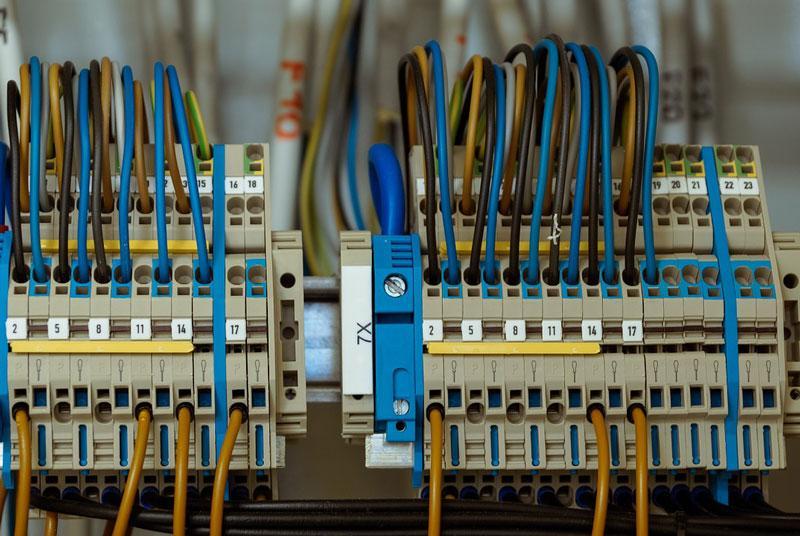 LMI- Dépannage industriel en Côtes d'Armor / habilitations électriques